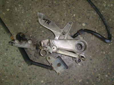 Кронштейн и тормозной цилиндр для Honda VTR 1000 F