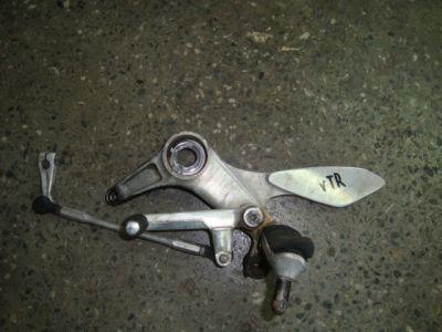 Кронштейн лапка для Honda VTR 1000 F