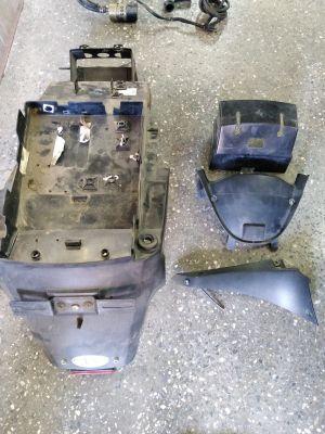 пластик подрамника, пластики морды для  мотоцикла suzuki rf 600