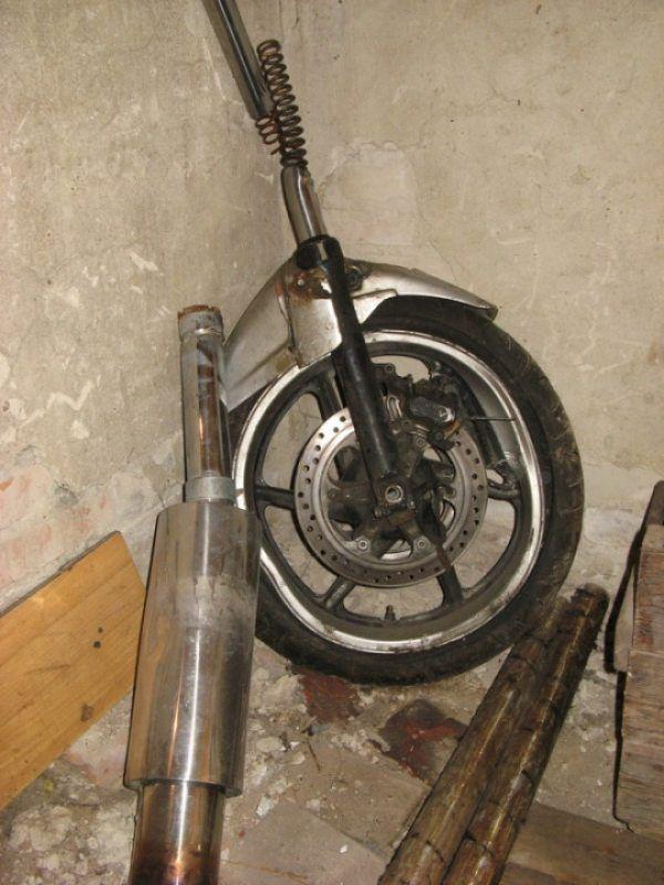 Перья, колесо, диск и выхлопная труба Honda CBR 600 F2 1991