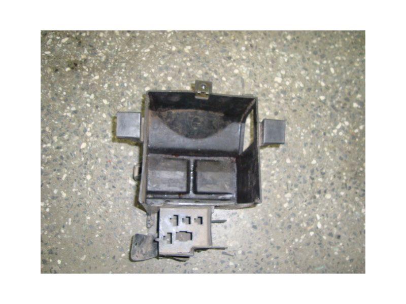 Крепление аккумулятора Honda CBR 600 F2