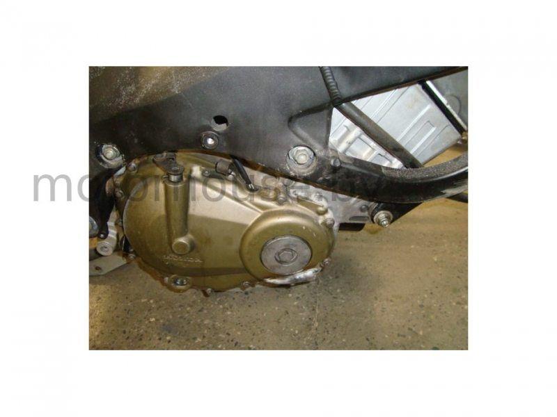 Правая крышка двигателя Honda CBR 600 F4i