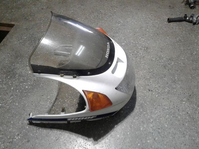 Передний обтекатель и фара для Honda CBR 1000 F 1990