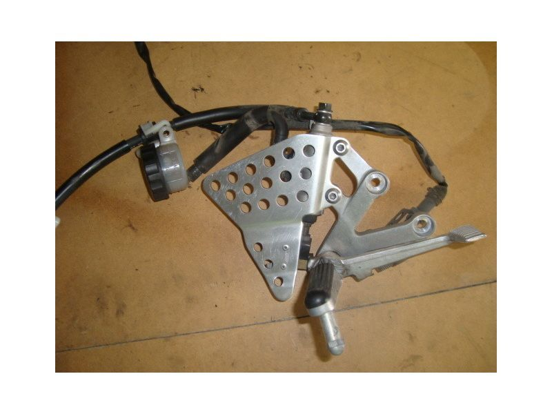 Кронштейн и тормозной цилиндр для Honda CBR929 RR