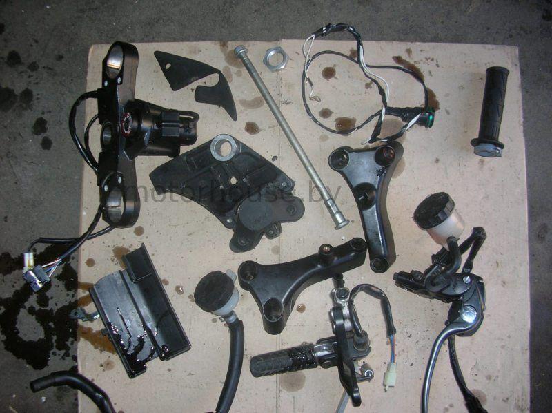 Запчасти и траверс Kawasaki ZX14R