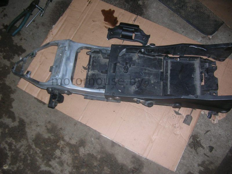 Нижний пластик хвоста Kawasaki ZX10R
