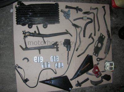 Радиатор и ножка боковая Suzuki GSF 600 Bandit 2001