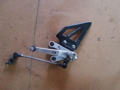 Кронштейн лапка для Suzuki GSXR 1000 2001-2002