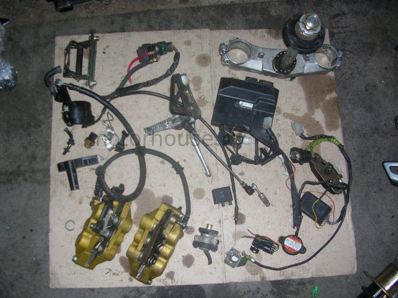 Запчасти амортизатор суппорта топливный насос Suzuki GSXR 1000 2001-2002