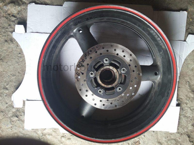 Заднее колесо и тормозной диск Suzuki GSXR 750 1998