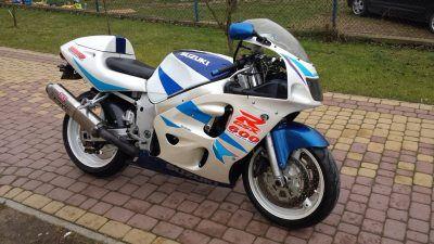 Мотоцикл на разбор SUZUKI GSXR 600 1998 года