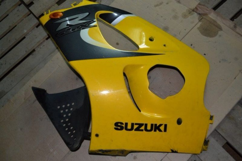 Левый бок плуг Suzuki GSXR 750 SRAD