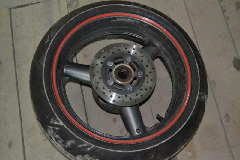 Задний колесо диск Suzuki GSXR 750 SRAD