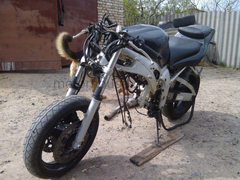 Мотоцикл целиком на запчасти Yamaha YZF R6
