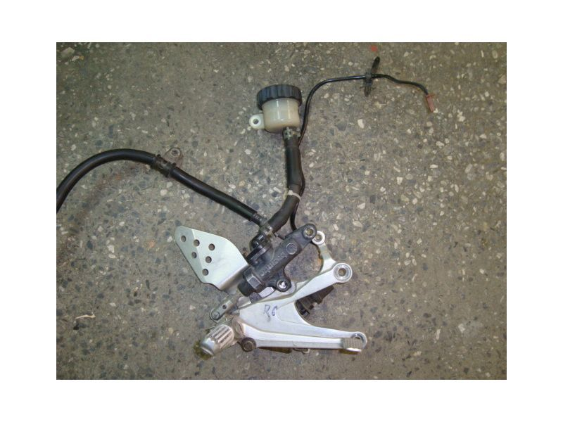 Кронштейн и тормозной цилиндр для Yamaha YZF R6